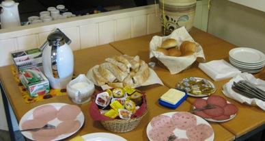 Kostenloses Frühstück für Arbeitsuchende im Job-Cafè Billstedt